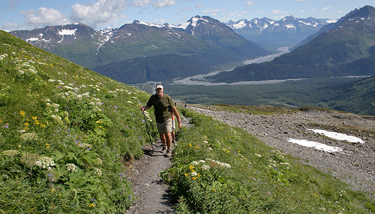 Walq-alaska-walking-7